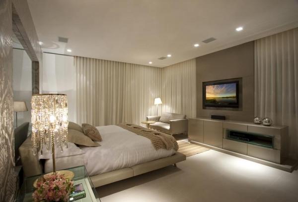 ultimas tendencias de decoracao de interiores:linha de importados inclui tecidos, papeis de parede, placas em osso